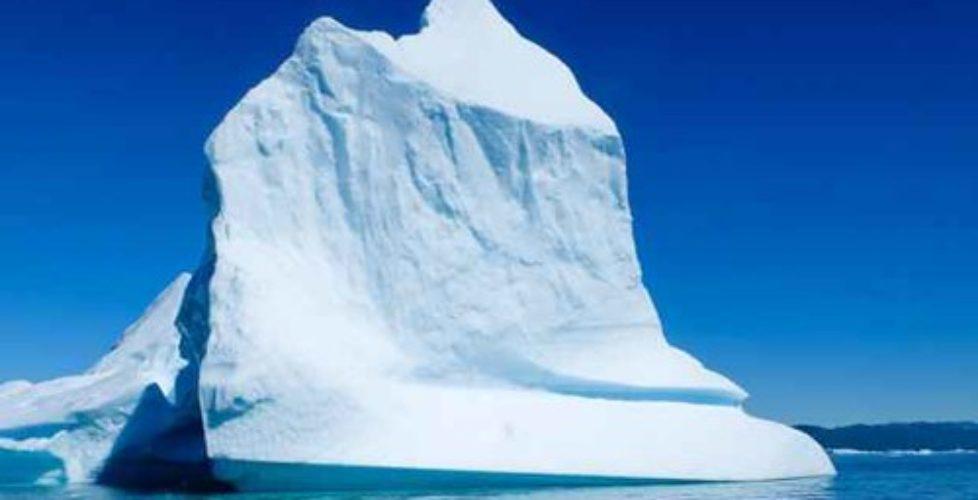 Reportage di un viaggio in Groenlandia: iceberg tra i fiordi